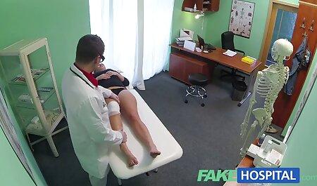 Venäläinen tyttö harrastaa seksiä ranskalaisen kotirouva porno kanssa.