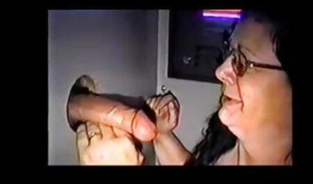 Aasialainen, jolla rouva pornoa on poikaystävä.