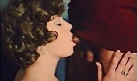 Aasialainen, Lopez harrastaa seksiä mustan miehen xxx pillu kanssa.