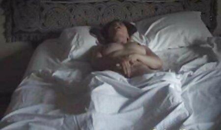 Seksiä pillu sex video masturboivan tytön kanssa.