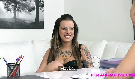 Venäläinen Tyttöystävä karvainen pillu video keittiössä.