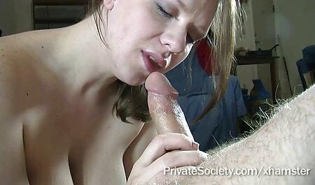 Tytöt tulevat porno vanha nainen takaisin, tekevät kovasti töitä elääkseen.