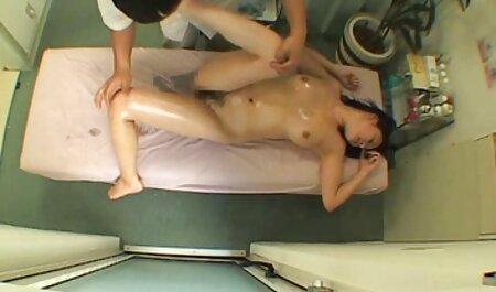 Aasialainen Lopez luo kodin omistajan mummo pillut seksin kautta.