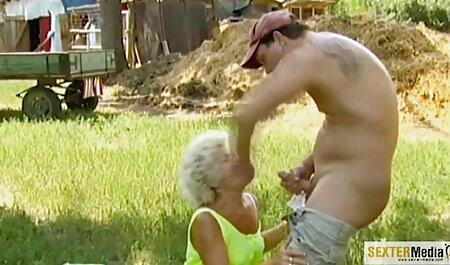 Onpa alaston vanha nainen tyttö altis syövälle.