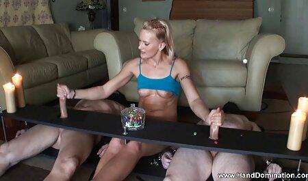 Kädet ja porno vanha nainen jalat, ensimmäisen kokoiset.